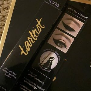 💕Tarte tarteist eyeliner with brush💕
